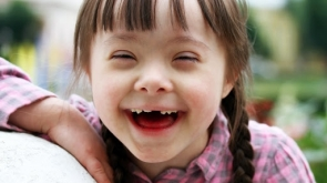 17134501 - portrait of beautiful young girl smiling